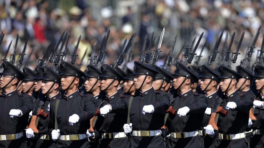 Япония засилва военния си потенциал заради Китай