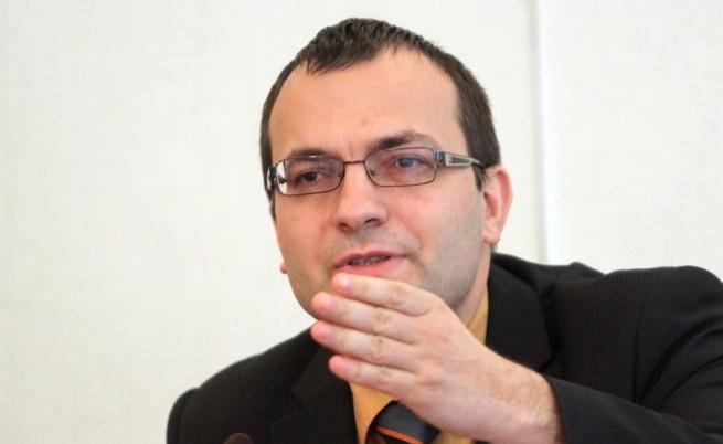 M. Димитров: Държавата върви към фалит