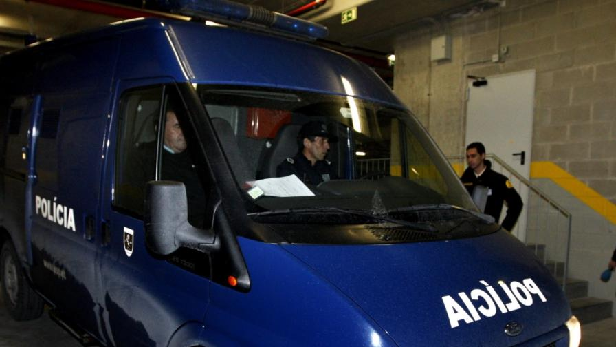 Във Франция и Португалия разбиха банда трафиканти на хора
