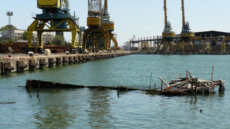 Уволнените корабостроители с обезщетение за Коледа