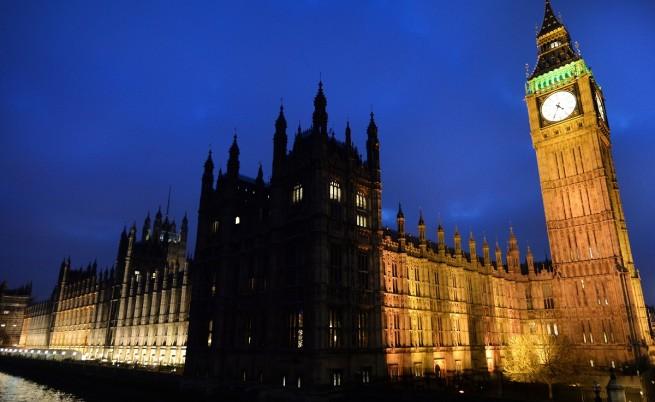 Великобритания се включва във въздушните удари срещу ИД в Ирак