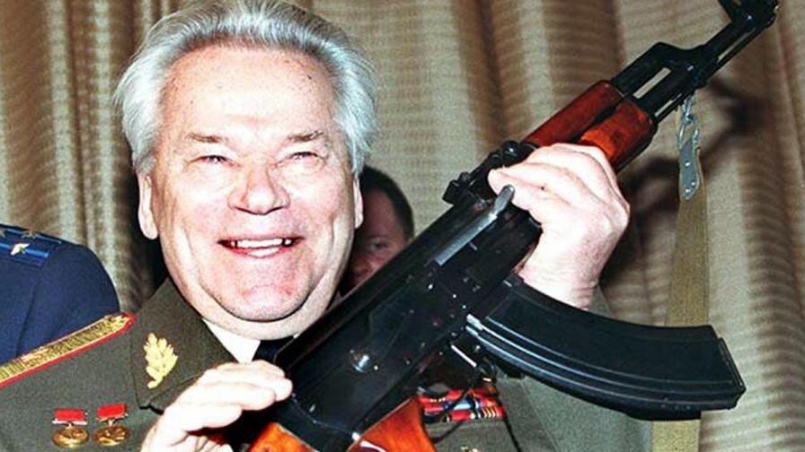 Почина Михаил Калашников