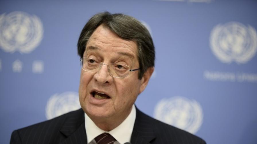 Кипърската телевизия пусна грешно президентско обръщение за Нова година
