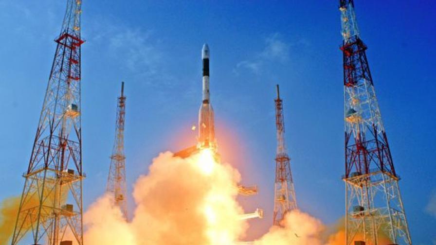 Индия изпробва балистична ракета, способна да носи ядрена бойна глава