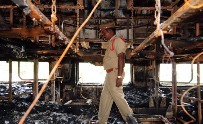 Отново се запали индийски влак, има жертви