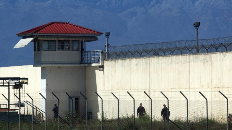 Гърция ще строи по-строг затвор за терористи
