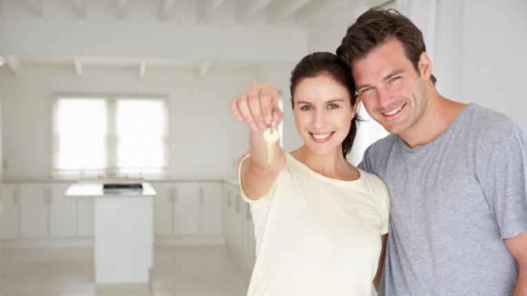 дом семейство ключ мъж жена двойка