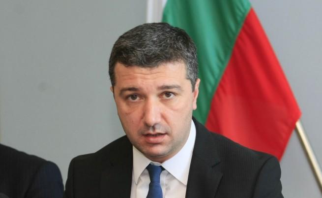 Драгомир Стойнев: Ако се стигне до отнемане на лицензи на ЕРП-та, държавата може да стане техен собственик
