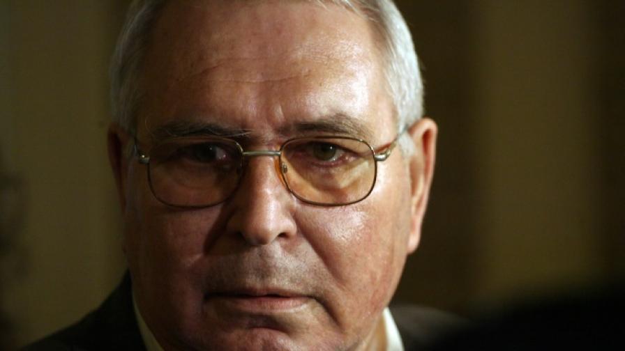 Корнезов призова БСП да лиши Сидеров от имунитет