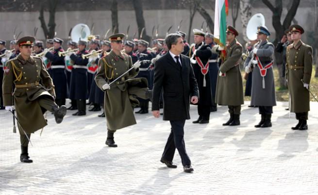 Плевнелиев замина на официално посещение в Китай