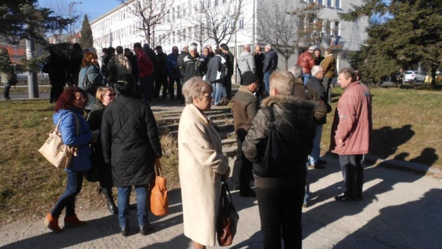 Съкратените работници в Бургас ще протестират всеки ден